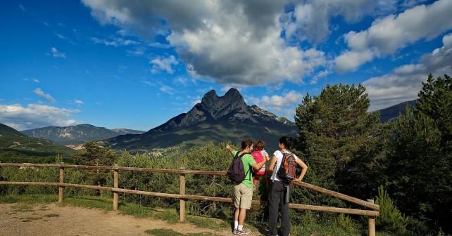 El Pedraforca des del mirador.  Parc Natural del Cad'-Moixer—.  Saldes, Berguedˆ, Barcelona